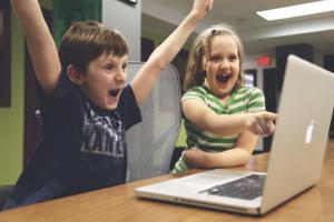 Quiz erstellen - Kinder freuen sich
